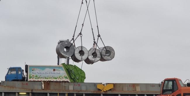 Star Shipping Discharging Cargo at Karachi Port
